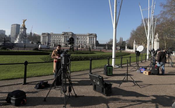 Londra, shock dopo l'intervista di Harry e Meghan: pioggia di critiche