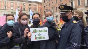 alla manifestazione di Roma anche l'operaio Ilva licenziato per un post