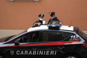 L'Emilia Romagna torna in zona gialla, controlli di routine delle forze dell'ordine a Bologna