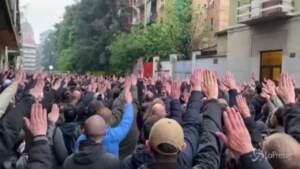 Saluti romani alla commemorazione di Sergio Ramelli