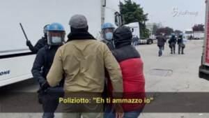 Audio del poliziotto al lavoratore in sciopero