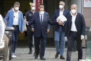 Coronavirus, Berlusconi dimesso dall'ospedale San raffaele