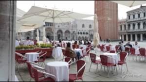 Venezia si rivedono i turisti in Piazza San Marco