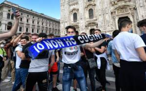 Milano, la festa scudetto dei tifosi dell'Inter da Piazza Duomo
