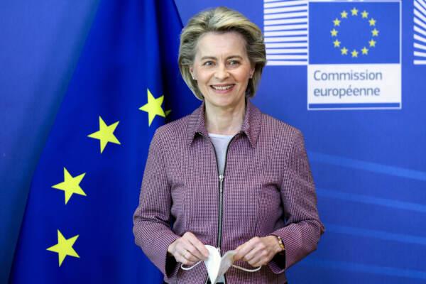 Il primo ministro del Kosovo con la presidente von der Leyen alla Commissione Europea