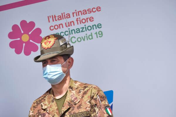 Inaugurazione dell'hub vaccinale all'interno del Centro Federnuoto FIN di Ostia