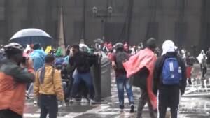 proteste contro gli abusi della polizia