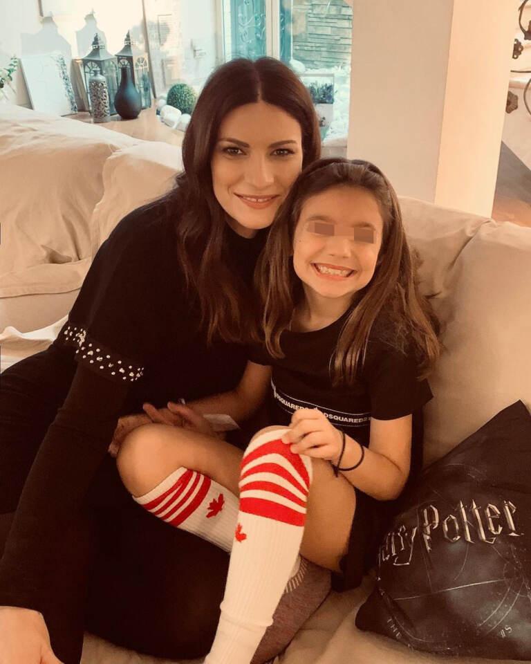 Laura Pausini con la figlia Paola