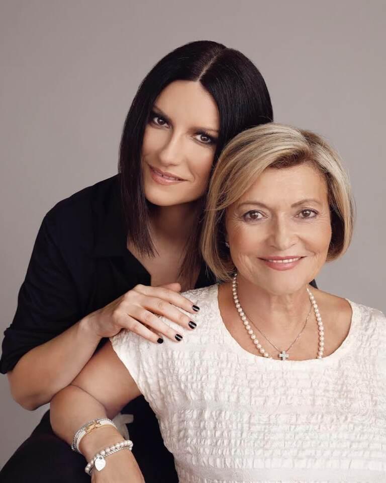 Laura Pausini con la mamma Gianna