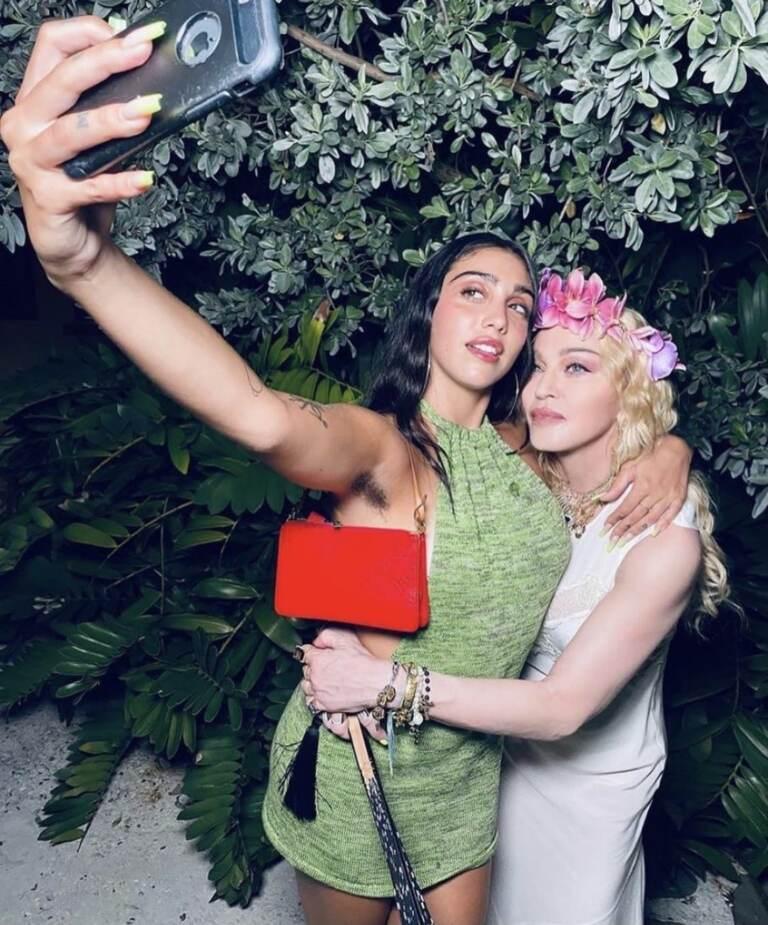 Madonna con la figlia Lourdes