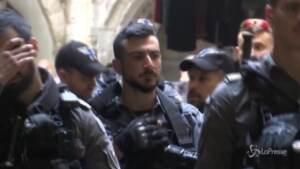 città blindata dopo gli scontri: in strada le pattuglie israeliane