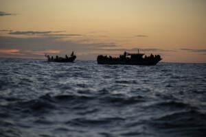 Migranti, Nave Open Arms salva 169 migranti tra Libia e Lampedusa