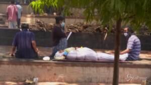 India, pandemia fuori controllo