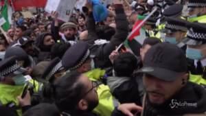 Londra, scontri tra polizia e manifestanti a corteo filo-palestinese
