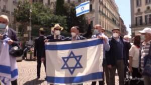 Napoli, in piazza le ragioni contrapposte dei sostenitori di israeliani e palestinesi