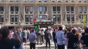 Medioriente, in Usa migliaia in piazza per sostenere i palestinesi