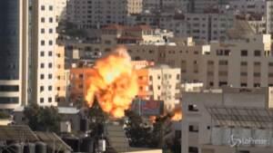 Medioriente, Israele bombarda presidi di Hamas a Gaza