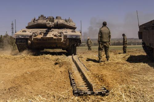 Striscia di Gaza, continuano i raid israeliani