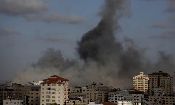 Israele e Palestina, una guerra senza fine: ancora razzi e raid