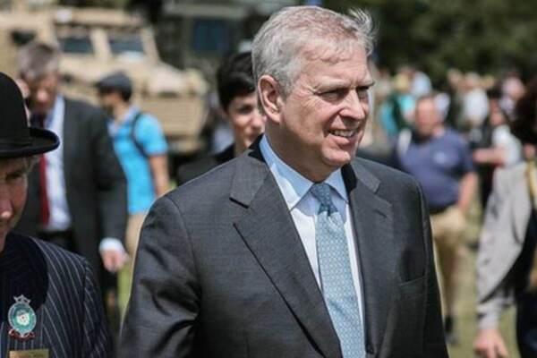 Il principe Andrea dopo lo scandalo Epstein ha perso 50 patronati