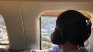 Ceuta, il premier Sanchez vola sopra la frontiera