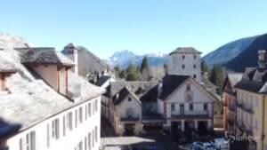 Vaccini, le montagne del Piemonte Covid free a metà giugno