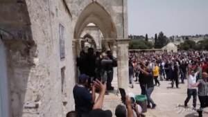Gerusalemme, scontri alla moschea di al-Aqsa: 15 palestinesi feriti