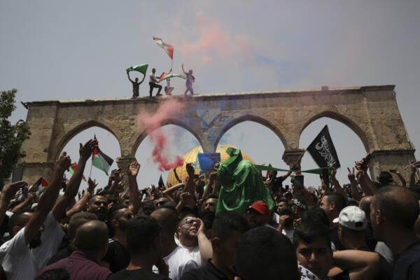 Tregua israelo-palestinese, ancora scontri sulla Spianata delle Moschee a Gerusalemme