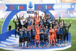 Serie A, l'Inter festeggia lo scudetto travolgendo l'Udinese 5-1
