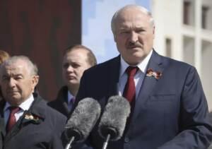 Bielorussia, Lukashenko limita attività dei media