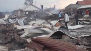 Eruzione in Congo, la lava ricopre e distrugge le case a Goma