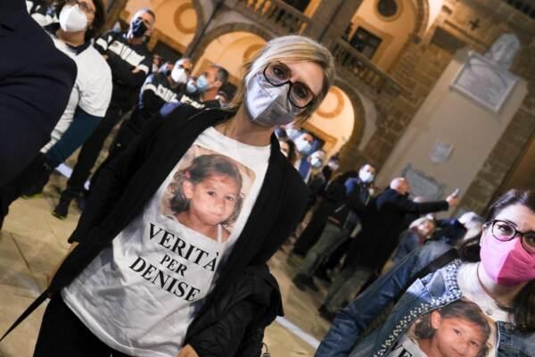 Mazara del Vallo, manifestazione 'Insieme per Denise': fiaccolata organizzata dal Comune