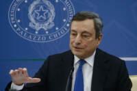 Draghi in conferenza stampa per illustrare il Decreto 'Imprese, Lavoro, Giovani e Salute'