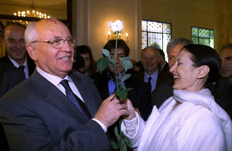 Carla-Fracci-Gorbaciov
