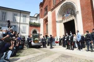 A Milano l'ultimo saluto a Carla Fracci nella chiesa di San Marco
