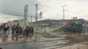 Colombia: un mese di proteste, il presidente schiera l'esercito