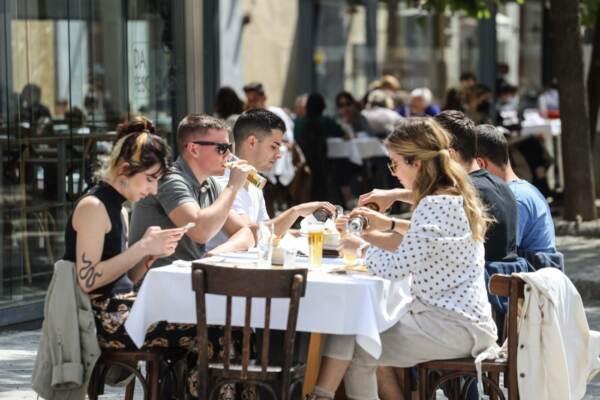 Riaprono i bar e ristoranti a Firenze diventata zona gialla