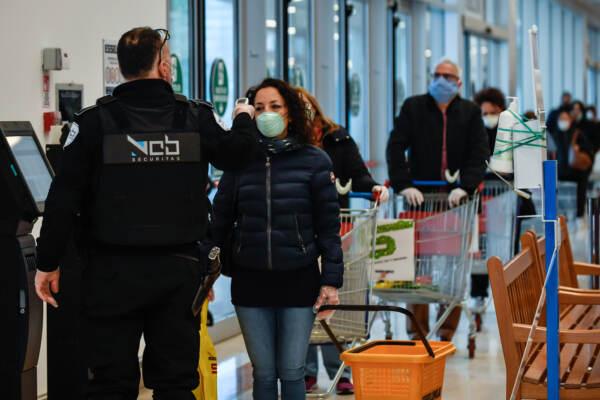 """Covid, Mystery Shopper: """"Cliente sceglie il supermercato in base a rispetto misure sicurezza"""""""