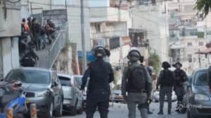 Gerusalemme, ancora scontri in città tra palestinesi e polizia israeliana
