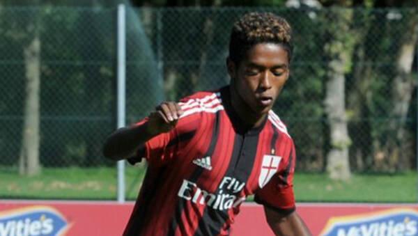 """Seid, il calciatore 20enne suicida: in una lettera denunciò razzismo. I genitori: """"Gesto non deriva da quello"""""""