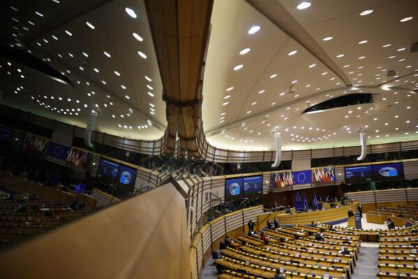 Brexit, discorso di Michel Barnier al Parlamento Ue