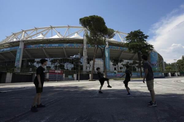Roma, tutto pronto all'Olimpico per il calcio d'inizio a UEFA EURO 2020