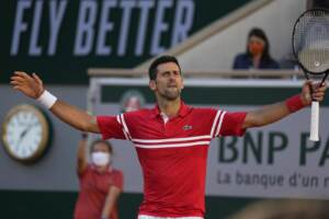 Roland Garros: trionfo di Djokovic, Tsitsipas ko al quinto set