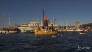 G7, la protesta di Ocean Rebellion nelle acque di Carbis Bay