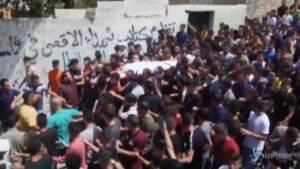 Cisgiordania, centinaia di persone ai funerali del 16enne Ahmad Shamsa