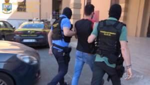 Messina, trafficavano droga con ambulanza durante lockdown: 8 arresti