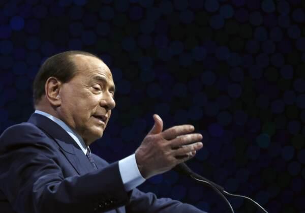 """Berlusconi: """"D'accordo con Salvini, centrodestra avanti unito per il 2023"""""""