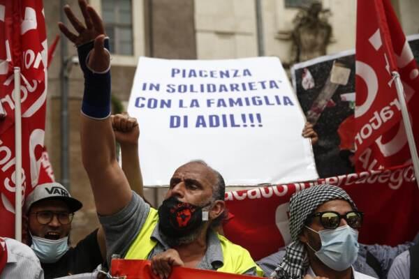 Novara, arresti domiciliari per il camionista che ha travolto e ucciso il sindacalista