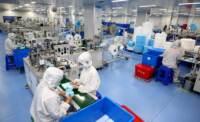 Produzione di mascherine mediche a Zaozhuang in Cina