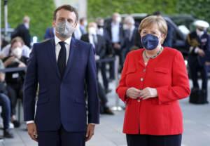 Berlino, la cancelliera Angela Merkel accoglie il presidente francese Emmanuel Macron